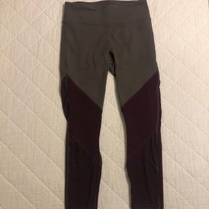 Fabletics mid rise power hold colorblick capri